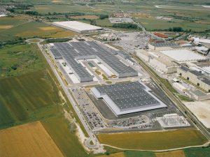 Instalación de Climatización de la Nave 115 de la planta de Mercedes Benz en Vitoria-Gasteiz