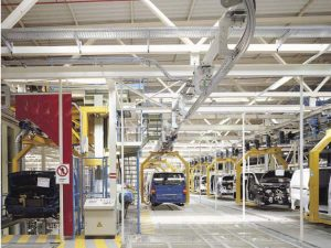 ONDOAN izan da Mercedes Benz enpresak Gasteizen duen lantegian bi instalazio egiteko esleipenduna