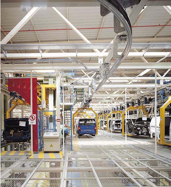Nuevas baterías de frío en la Nave de Pintura de la planta de Vitoria-Gasteiz de Mercedes-Benz